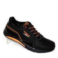 Комфортные спортивные туфли