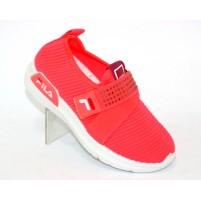 Красные кроссовки детские