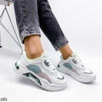 Белые массивные кроссы