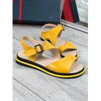 Желтые женские босоножки
