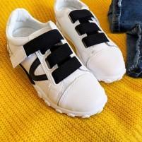Кроссовки на резинке