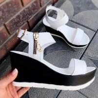 Женские сандалии на платформе