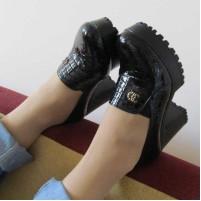Туфли на тракторной подошве каблук