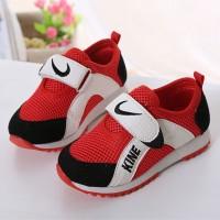 Спортивная обувь (85)